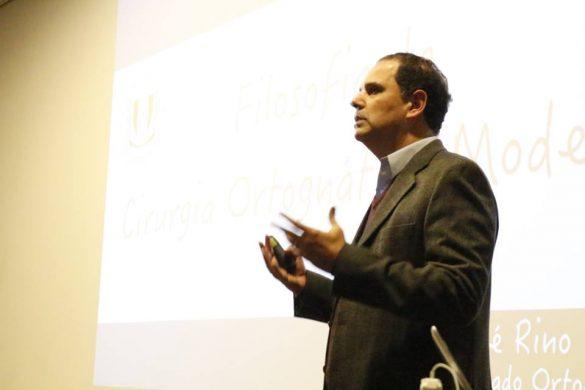Dr. José Rino Neto em aula no 18º Excelência naOrtodontia (Foto: Jean Marcel/Dental Press)