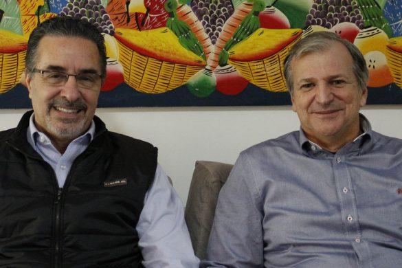 Dr. Laurindo Furquim e Dr. Reginaldo Zanelato (Foto: Renata Mastromauro/Dental Press)