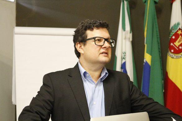Dr. Angelo Menuci Neto no 4º Excelência em Implantodontia (Foto: Giulia Cordeiro/Dental Press)