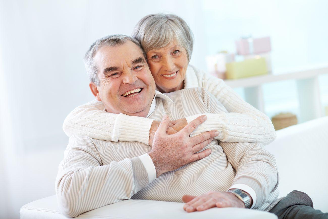 O número de brasileiros acima de 65 anos deve praticamente quadruplicar até 2060, segundo o IBGE (Foto: Pressfoto/Freepik.com)