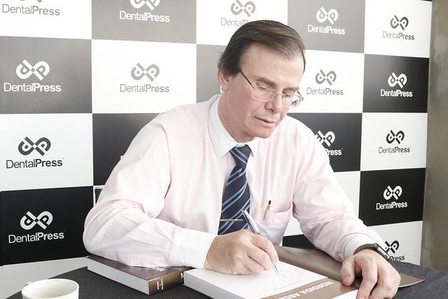 Dr. Guilherme Janson é autor do livro