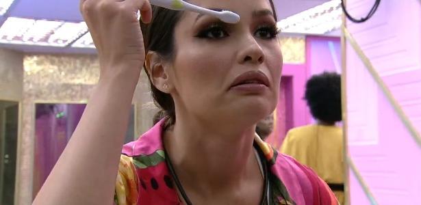 bbb 21 juliette usa escova de dentes de thais por engano